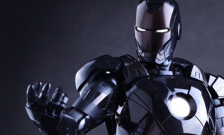 Hot Toys: Iron Man Mark 7 – Stealth Mode